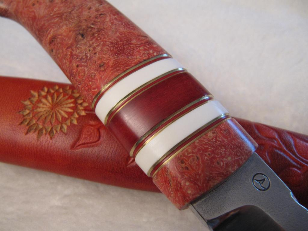 95mm AEB-L blade ash burl corian red fibre engraved and decorated sheath2